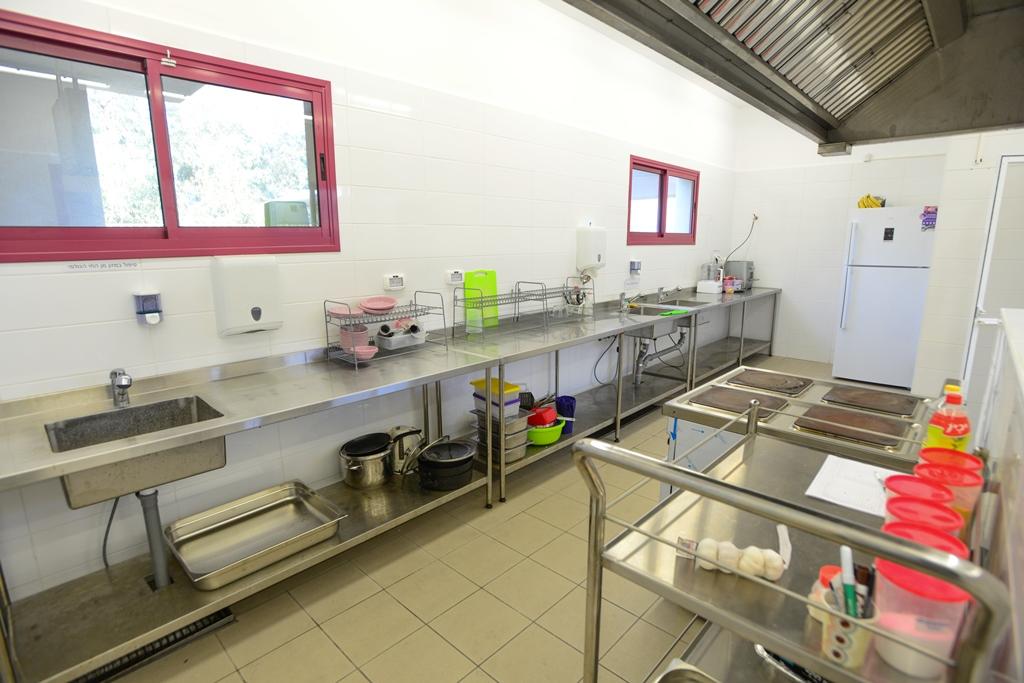 מטבח של המעון להכנת אוכל בריא וטרי